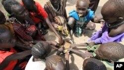 Displaced children in Sudan