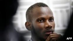 Le Malien Lassana Bathily, un employé musulman d'un hypermarché cacher, a aidé des clients juifs à se dissimuler dans la chambre froide de l'hypermarché pendant la prise d'otage du cours de Vincennes à Paris, perpetré par Amedy Coulibaly, qui a été tué dans l'assaut des forces de police.