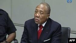 Charles Taylor antigo presidente da Libéria durante uma sessão do seu julgamento no Tribunal Penal Internacional de Haia (Arquivo)