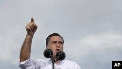 선거유세 운동을 하는 공화당의 미트 롬니 대통령 후보