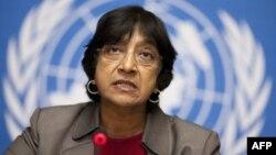 Cao ủy trưởng Cao Ủy Nhân quyền Liên hiệp quốc Navi Pillay chỉ trích Tuyên ngôn Nhân quyền không có tính cách ràng buộc pháp lý của ASEAN được soạn thảo thiếu minh bạch, không thông qua các cuộc tham vấn công khai hợp lý