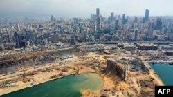 Pamje e pjesshme nga porti i shkatërruar i Bejrutit