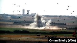 Dim u Tel Abijadu u Siriji, pogled sa turske strane granice