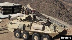 یمن کے ساتھ سرحد پر تعینات سعودی فوجی