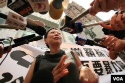 任美贞称受害记者担心大陆当局秋后算帐(VOA记者黎堡拍摄)