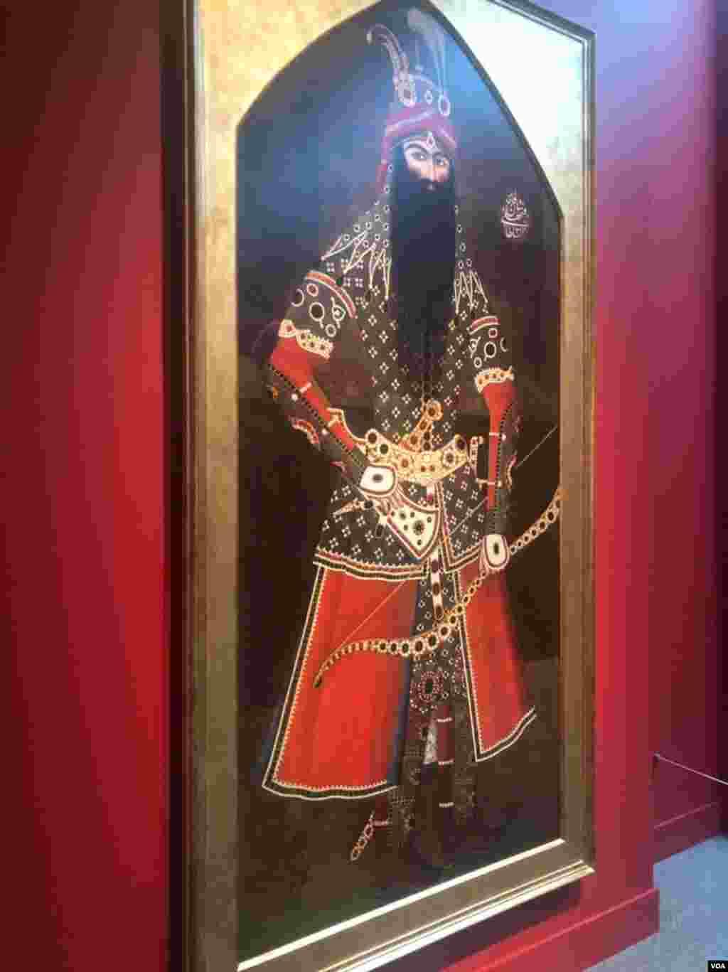 در جشن نوروزیگالری «فریر و سَکلر»، تابلویی از فتحعلی خان شاه قاجار به نمایش در آمده بود.
