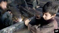 وضعیت بد کودکان در افغانستان