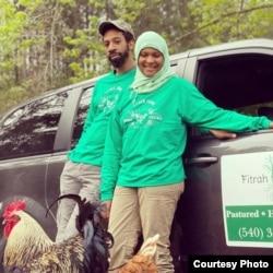 "Sakinah McDowell and Omari Grey pemilik ""Fitrah Farm"" (foto: courtesy)."