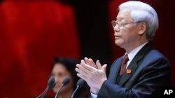 Tổng bí thư Nguyễn Phú Trọng ca ngợi những kết quả đạt được trong công tác chống tham nhũng trong 5 năm qua và cho rằng tham nhũng có chiều hướng thuyên giảm.