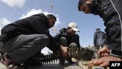 Ливийская оппозиция отказывается от переговоров с Каддафи
