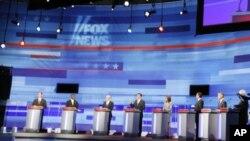 图为共和党总统参选人8月11日在爱奥华州进行辩论的场景