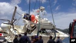 希臘當局吊起有關傾覆船隻