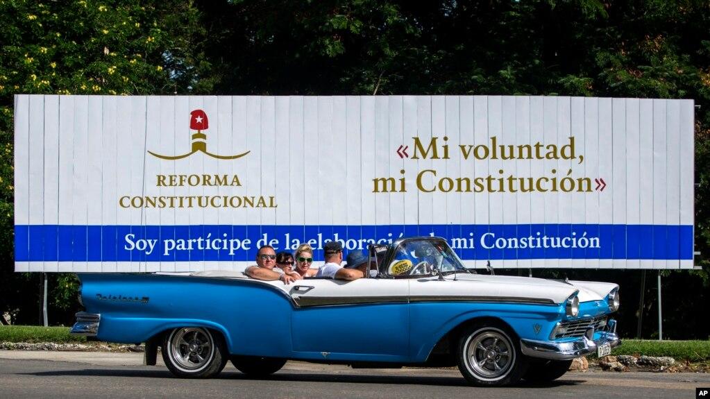 Dự thảo Hiến pháp Cuba được đưa ra đóng ý ý kiến trên toàn quốc