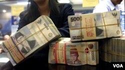 Nominal mata uang rupiah direncanakan disederhanakan dengan membuang tiga nol (ribu) di belakang nilai yang ada sekarang. (Foto: Dok)