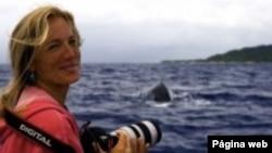 La bióloga marina Nan Houser, presidenta y directora del Centro de Investigaciones y Conservación de Cetáceos de las Islas Cook. Foto: presidenta del Centro de Investigaciones y Conservación de Cetáceos. Foto: http://nanhauser.com/