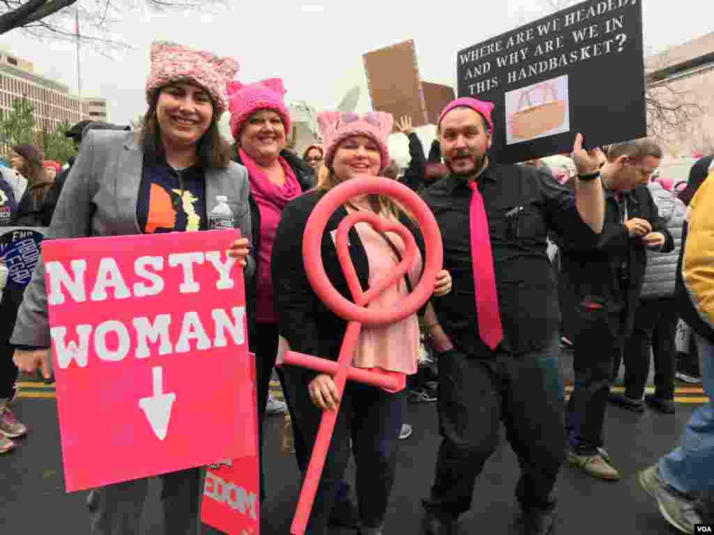 Protesters at the Women's March in Washington D.C., Jan. 21, 2017. (Photo: E. Cherneff / VOA)