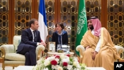 دیدار محمد بن سلمان ولیعهد سعودی با امانوئل ماکرون رئیس جمهوری فرانسه در ریاض - ۹ نوامبر ۲۰۱۷