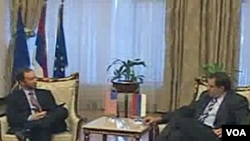 Novoizabrani predsjednik i sadašnji premijer RS Milorad Dodikom u razgovoru sa ambasadorom SAD u BiH Patrickom Moonom