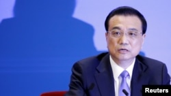 리커창 중국 총리가 지난 3월 중국 베이징 인민대회당에서 기자회견을 열고 발언하고 있다.