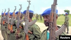 Les soldats de la RDC à la base d'entrainement de Kamina dans l'ex-province du Katanga, 2005