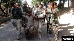 Pese al aumento de seguridad, las autoridades afganas no han logrado detener los ataques que han matado y herido a cientos de personas y han socavado la confianza en el gobierno.