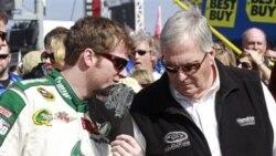 Dale Earnhardt, Jr., ganador de la carrera Coke Zero 400, relata lo horrorosa escena del accidente.