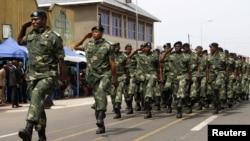 Binh sĩ Cộng hòa Dân chủ Congo tham gia 1 cuộc diễu hành kỷ niệm Ngày Độc lập của đất nước, 30/6/2014.