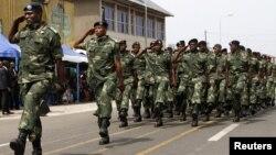 Wanajeshi wa Congo katika gwaride ya sherehe za uhuru June 2014