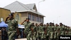 2014年6月30日刚果民主共和国(金)军人参加游行纪念独立日