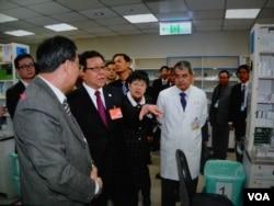 中国海协会长陈德铭在台湾参访时警告台湾边缘化危险。(美国之音许波拍摄)