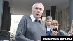 Milan Jovanović na početku suđenja Dragoljubu Simonoviću - bivšem predsedniku opštine Grocka (Foto: RFE/RL)