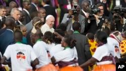 ںیروبی آمد پر پوپ کا استقبال