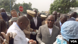 Dr. Samba Sow, ushinzwe gukurikirira ha Bamako, Mali, Nov. 17, 2014.(Katarina Höije/VOA)