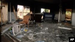 در حمله سال ۲۰۱۲ شورشیان اقامتگاه دیپلماتیک آمریکا تخریب و سفیر آمریکا در لیبی کشته شد.
