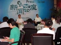 中国记协举行的新闻茶座现场