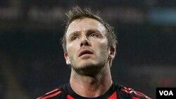 Beckham estaba en Europa precisamente para convencer al técnico de Inglaterra, Fabio Capelo, de que podía ser un jugador importante en Sudáfrica.