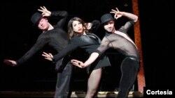 Bianca Marroquin interpreta a Roxie Hart en el clásico de Broadway: Chicago. [Fotos: Cortesía, Jeremy Daniel].