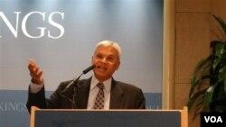 卡內基和平研究所南亞項目資深研究員特利斯(美國之音鍾辰芳拍攝)
