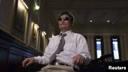 Chen Guangcheng memberikan keterangan pers di New York (Foto: dok).