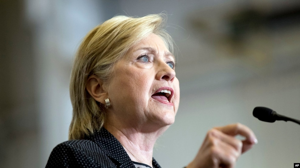 Hillary Clinton bën publike taksat