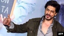 شاہ رخ خان کا نام بھی فہرست میں شامل ہے۔