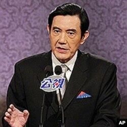 马英九总统在辩论会上发言