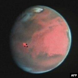 Marsa səyahəti simulyasiya etmək üçün 520 gün xüsusi mühitdə yaşayan ekipaj üzvləri azadlığa çıxıblar (audio)