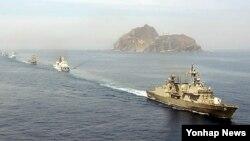 독도 바다를 경계하는 한국 해군전함들