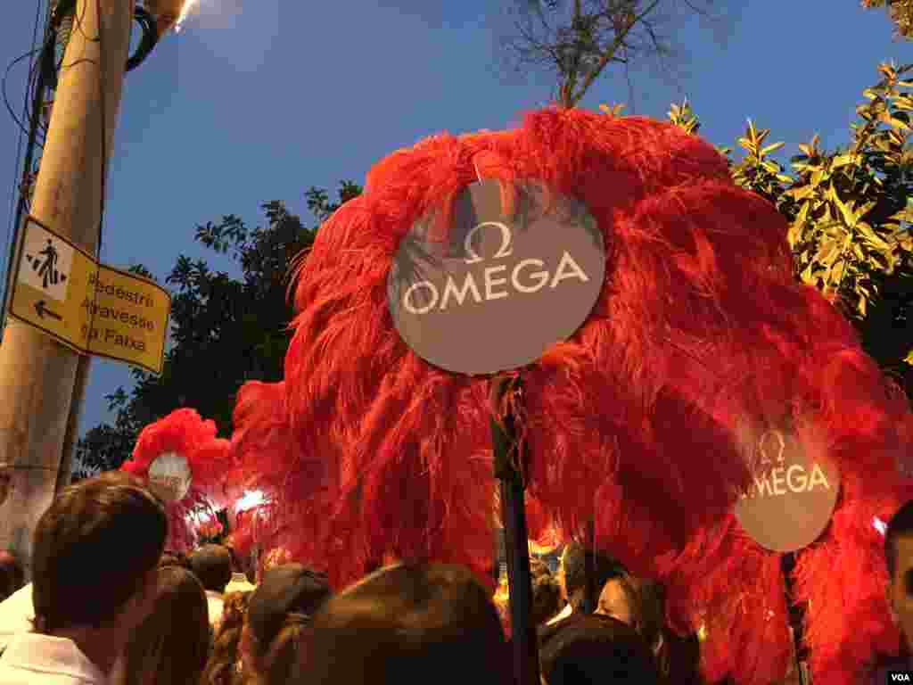 شرکت امگا نیز یکی از اسپانسرها است