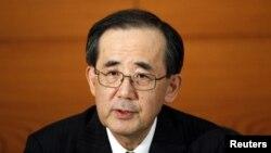 El presidente del Banco de Japón, Masaaki Shirakawa, durante un conferencia de prensa este martes en Tokio.