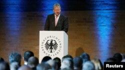 برونو مال رئیس آژانس فدرال اطلاعات آلمان - آرشیو