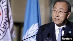 반기문 유엔 사무총장이 31일 유럽에서 기자회견을 열고 있다.