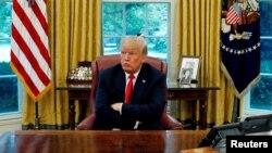 Predsednik SAD u Ovalnoj sobi