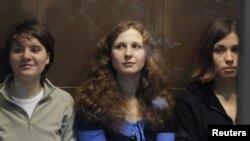 Екатерина Самуцевич, Мария Алехина и Надежда Толоконникова